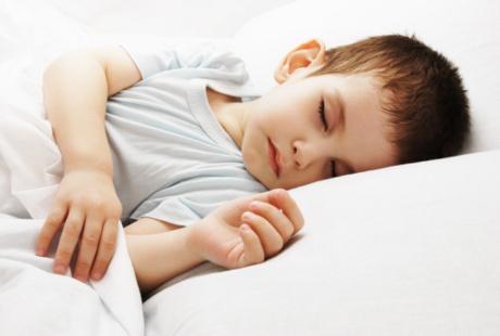 Kapan Anak Boleh Tidur Sendiri?